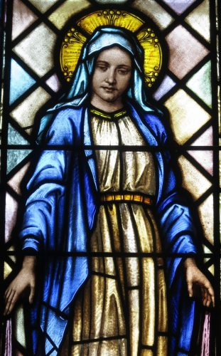 Saint_Peter_Catholic_Church_(Millersburg,_Ohio)_-_stained_glass,_Blessed_Virgin_Mary_-_detail